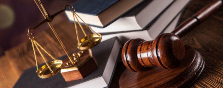 Решением суда Доверитель Б. признан добросовестным приобретателем автомобиля, банку отказано в удовлетворении исковых требований к Б. об обращении взыскания на автомобиль