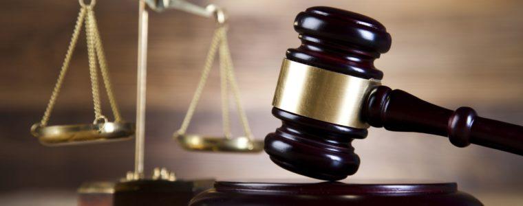 Уголовное дело в отношении М., совершившего преступление, предусмотренное ст.264 ч.1 УК РФ, прекращено за примирением подсудимого и потерпевшей
